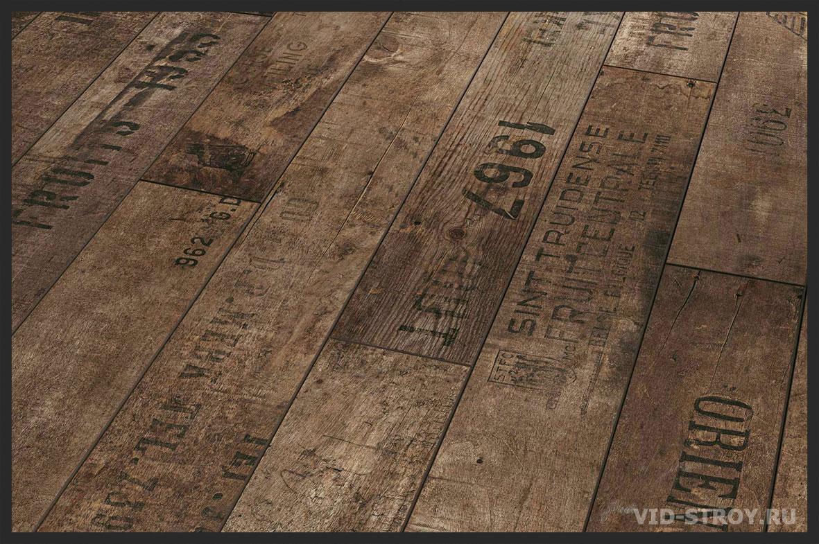 Ламинат с надписями в интерьере фото