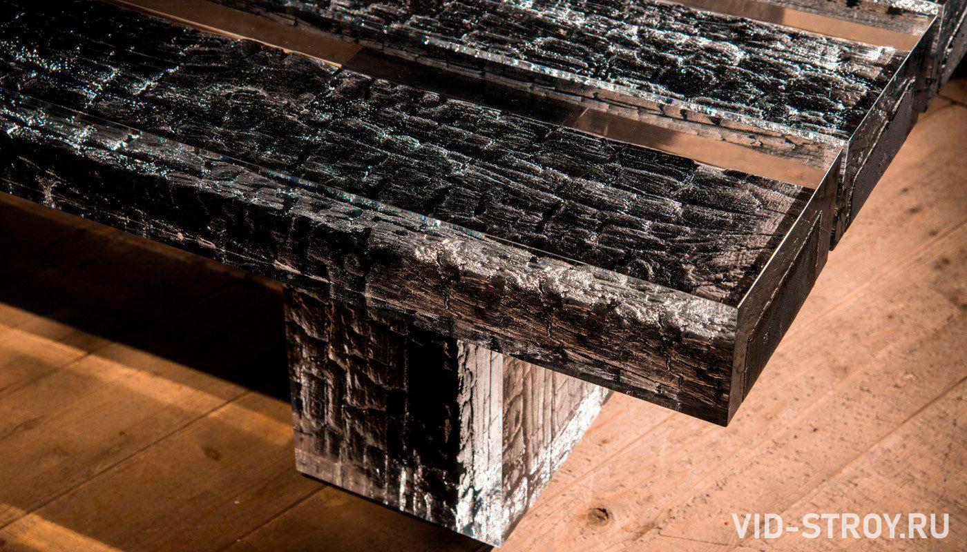 стол из старых досок и эпоксидной смолы
