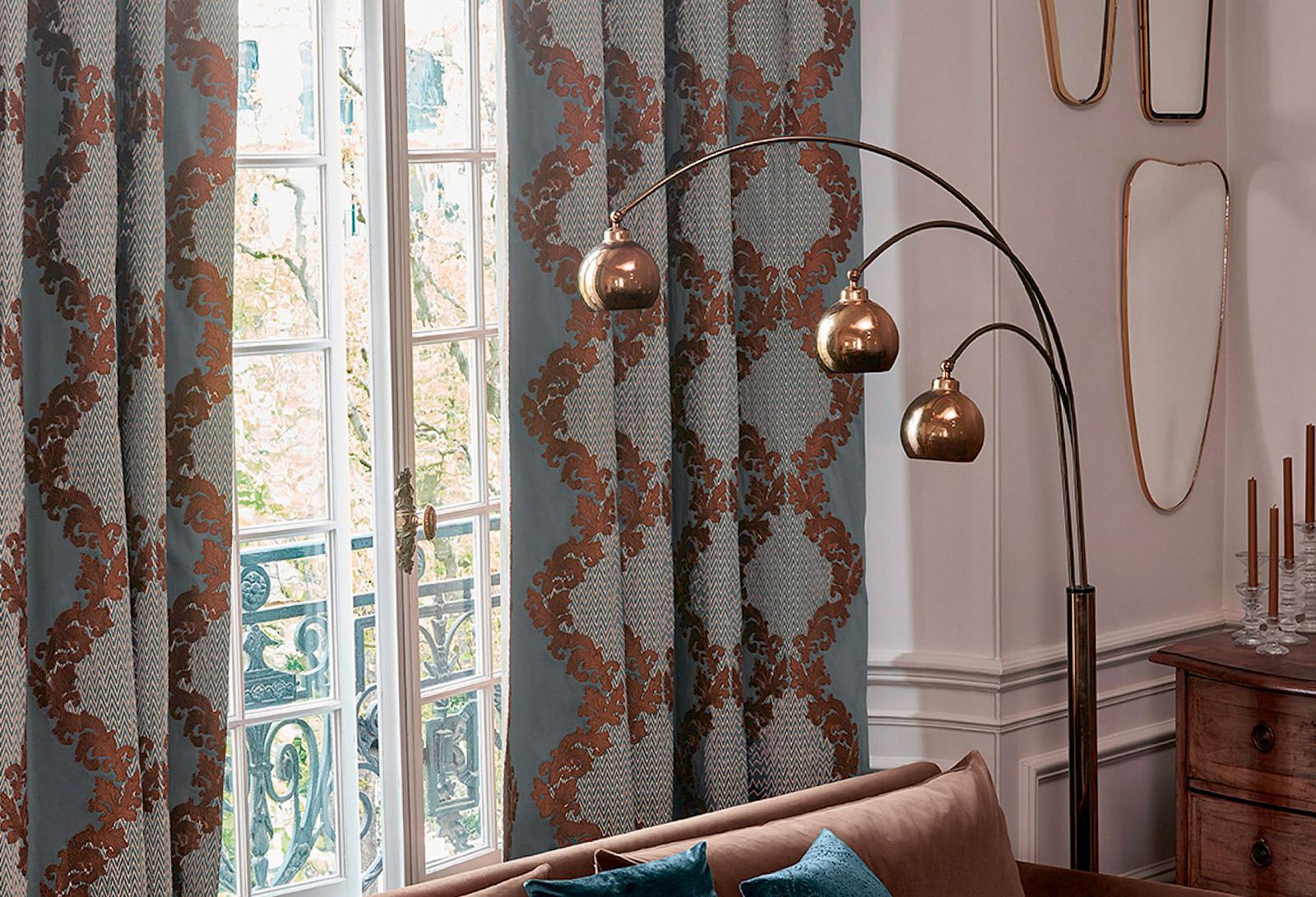 шторы с классическим орнаментом