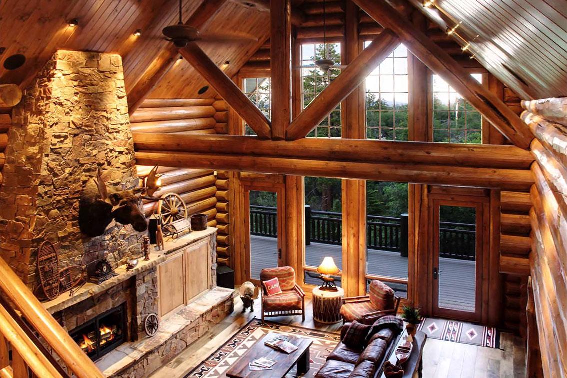интерьер деревянного дома в охотничьем стиле