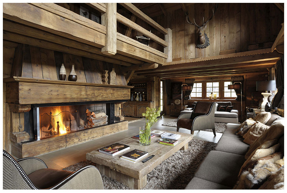 деревянный дом с атриумом